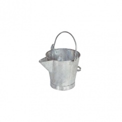 GALVANISED TAR BUCKET WITH SPOUT